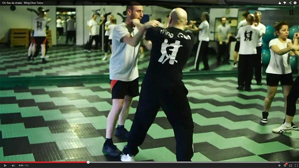 L'applicazione del Chi Sao del Wing Chun per strada