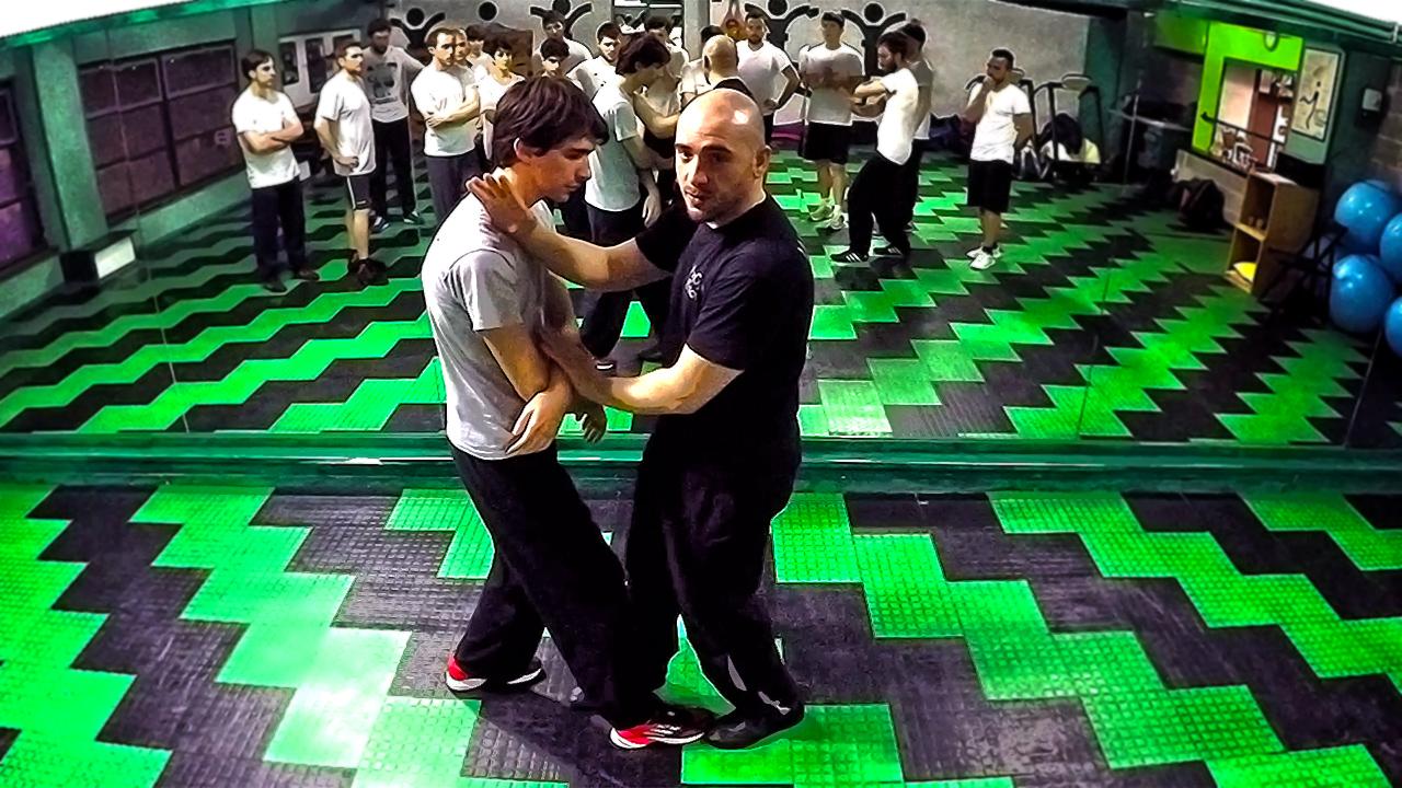 Wing Chun drill tecnico PakSao, BongSao, FacSao e controtecnica